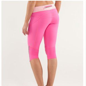 Lululemon Run: Pace Crop pink white tights. 6 EUC